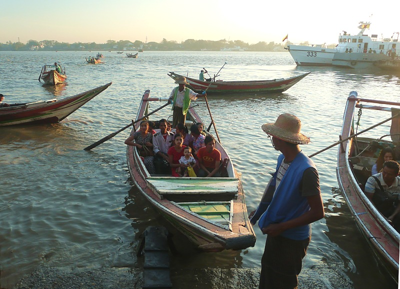 Dalla ferry sloops, Yangon river
